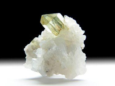 Fluorapatit, Chalcedon