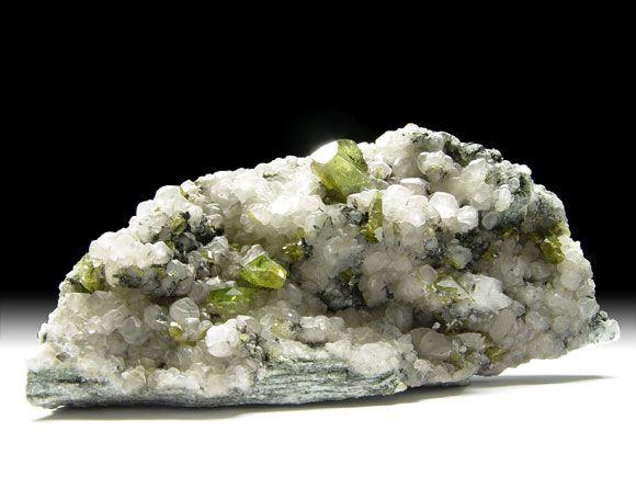 Titanit (Sphen), Calcit, Ilmenit