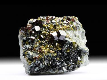 Andradit (Granatgruppe), Epidot, Diopsid, Klinochlor