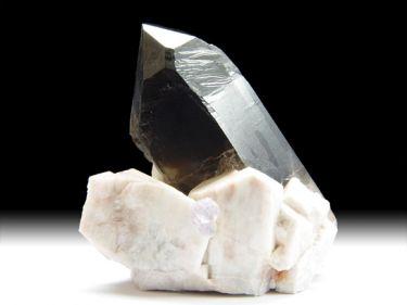 Quarz-Var. Rauchquarz, Fluorit, Mikroklin