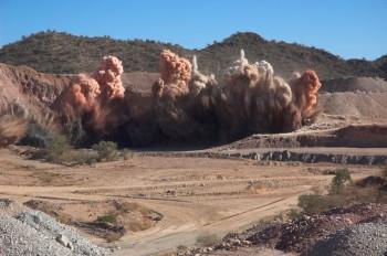 Bringen Sie sich nicht in Gefahr durch laufende Steinbrucharbeiten wie z.B. Sprengungen. Foto: fotolia.de