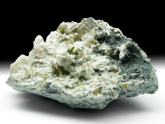 Titanit (Sphen), Adular, Calcit, Chlorit