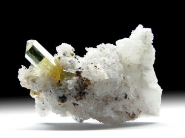 Fluorapatit, Chalcedon, Quarz