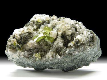 Titanit (Sphen), Calcit, Muskovit, Chlorit