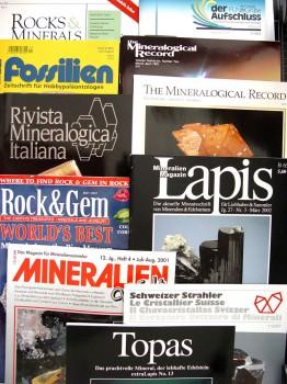 Die einschlägigen Fachzeitschriften und Monographien für Mineraliensammler können interessante Informationen zu Mineralfundstellen bieten. Foto: Mineralium.de