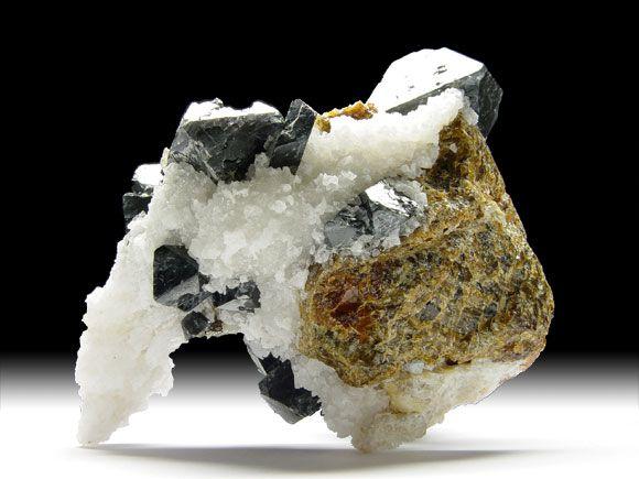 Spinell, Klinohumit