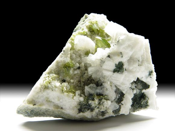 Titanit (Sphen), Albit, Orthoklas-Var. Adular