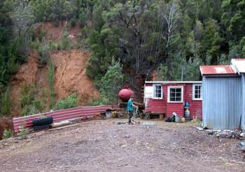 Der Eingang zum Stollensystem der Adelaide Mine. Foto: Bruce Stark 2004.