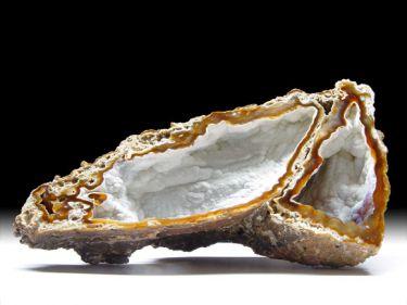 Quarz-Var. Chalcedon (Achatisierte Koralle)