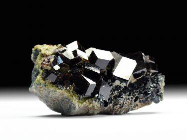Andradit (Granatgruppe), Klinochlor