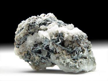 Antimonit (Stibnit), Quarz, Metastibnit