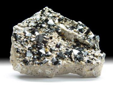 Magnetit, Feldspat, Hydroxylapatit